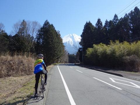 07富士山と買手屋さん