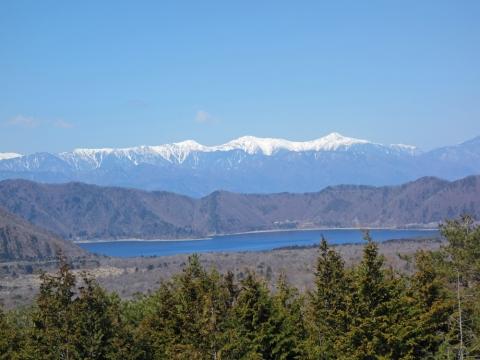 17本栖湖と南アルプス