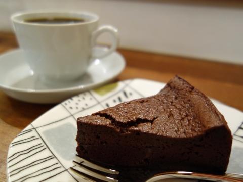 チョコレートケーキとコロンビア