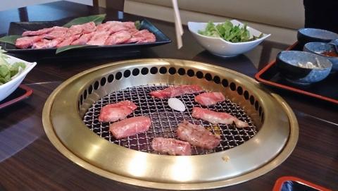 13昼ご飯は焼肉