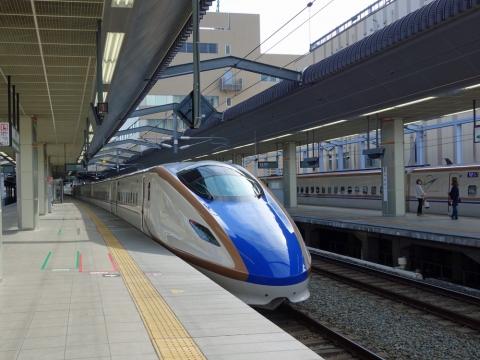 03北陸新幹線ボディー