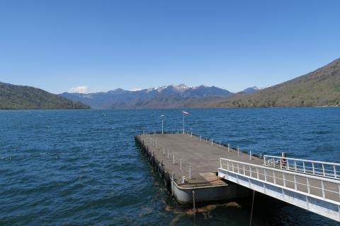 19中禅寺湖:残雪の山