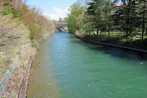 18中禅寺湖:華厳滝への流れ