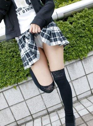 ミニスカート2640.jpg