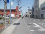 藤岡市の市街地を通過