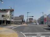 伊勢崎市の市街地を通過