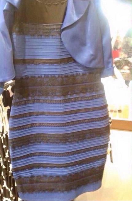 ドレスの色