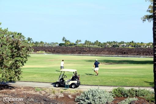 目の前はゴルフ場