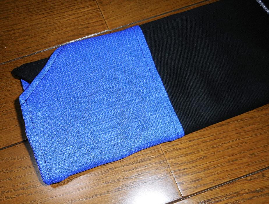 アバニコケース黒×青2