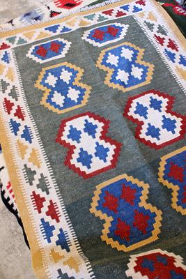 ニューキリム 絨毯 遊牧民 キリムラグ 春日井 セール