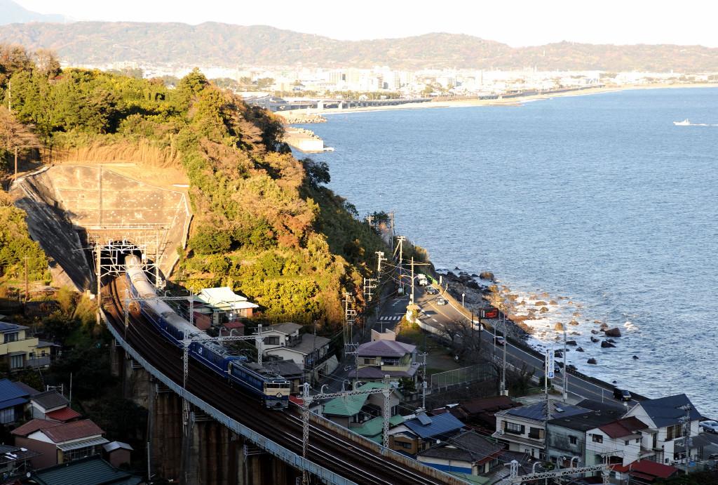 東海道本線 EF65501+24系 石橋山