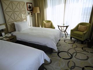 ホテルの部屋-001