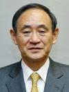 菅義偉官房長官は13日の記者会見で、先に来日したドイツのメルケル首相が岡田克也民主党代表との会談
