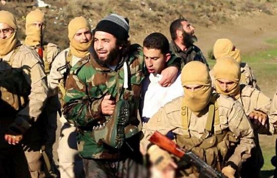 イスラム国がヨルダン軍F-16を撃墜!捕虜になったパイロットMoath Al-Kassasbah