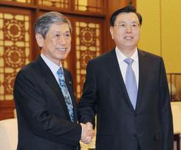 全人代委員長が日中議連と会談 AIIBに参加も含めた協力求める
