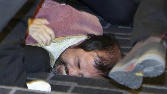 まさに、『キチガイに刃物』、『朝鮮人に刃物』警察当局によると、男はイベントを主催した南北統一支持派団体のメンバー