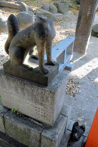 「おいなりさん」キツネ石像4体破壊 福岡・警固神社
