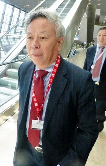 アジアインフラ投資銀行(AIIB)の初代総裁と目される金立群(チン・リー・チュン)氏=5月4日、アゼルバイジャン・バクーのアジア開発銀行(ADB)総会の会場、吉岡桂子撮影