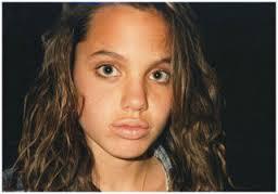 ◆アンジェリーナジョリー整形前◆13歳の時