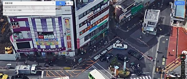 西新井駅西口前のバス停広場