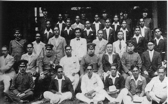 ペリリュー島の戦いが終って島に戻った住民は、多くの日本兵の遺体を見て泣きました