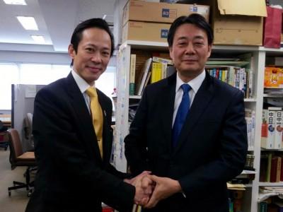 新宿区新人推薦候補予定者の李小牧さん