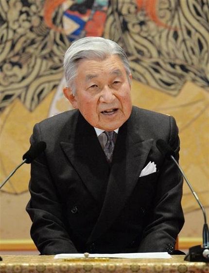 産経新聞 81歳の誕生日を前に会見される天皇陛下=19日、宮殿・石橋の間(代表撮影)