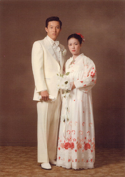 ABCマートは、創業者で会長だった三木正浩 在日朝鮮人