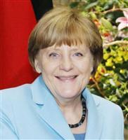 ドイツのメルケル首相=9日、首相官邸