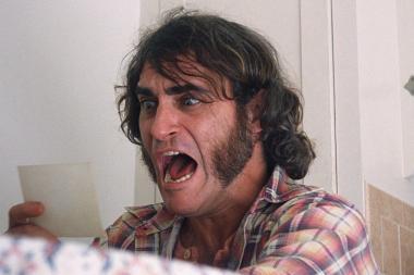 ポール・トーマス・アンダーソン 『インヒアレント・ヴァイス』 ホアキン・フェニックス演じるドックの風貌も70年代風。