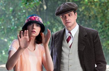 ウディ・アレン最新作 『マジック・イン・ムーンライト』 ソフィ(エマ・ストーン)が何かの波動を受け取るのを胡散臭く見守るスタンリー(コリン・ファース)