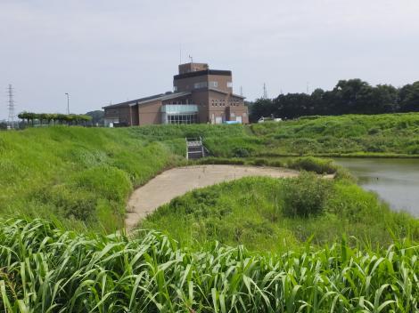 境川・下飯田遊水地と遊水地情報センター