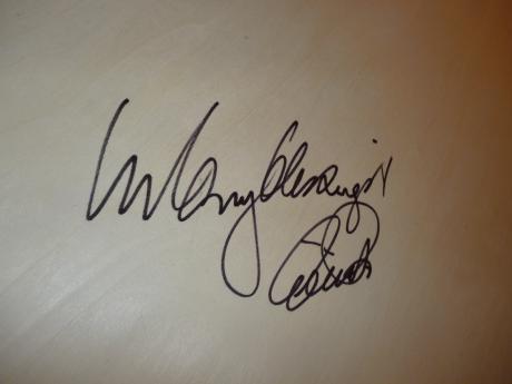 エリック・パールのサイン