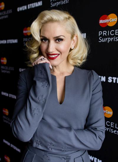 Gwen+Stefani+Reveals+MasterCard+Priceless+2015_01.jpg