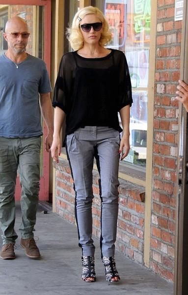 Gwen+Stefani+Visits+Acupuncture+Clinic+20150411_02.jpg