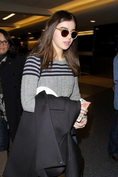 Hailee+Steinfeld+seen+at+LAX+20150126_03.jpg