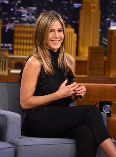 Jennifer+Aniston+Visits+Tonight+Show+Starring+20150126_02.jpg