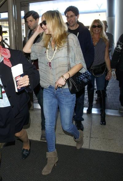Kate+Hudson+at+LAX+20150126_01.jpg