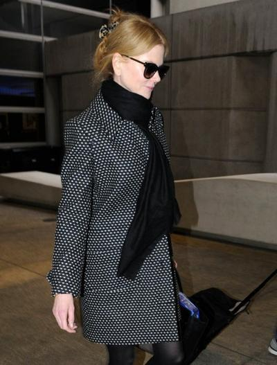 Nicole+Kidman+Touches+Down+LAX+20150126_03.jpg