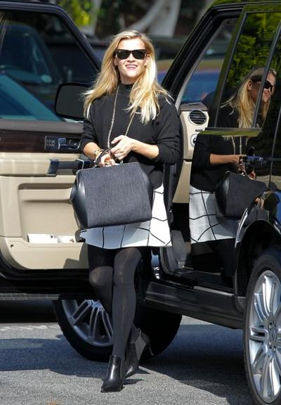 Reese+Witherspoon+s+big+bag+20150126_03.jpg