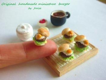 目玉焼きハンバーガー8