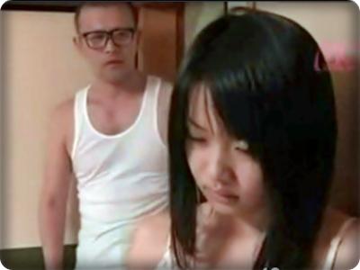 (ヘンリー塚本) 義パパのソソリ勃つマラに襲われたダンナが外国出張で寂しい幼妻☆