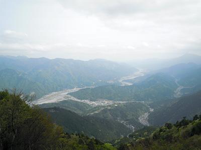 奥の院から富士川