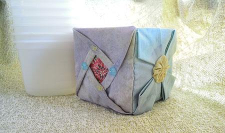 ロックアイス容器で小物入れ 折り紙パッチ
