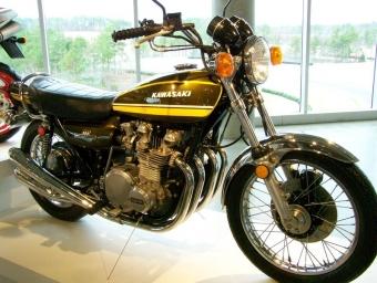 798px-1974_Kawasaki_900_Z1.jpg