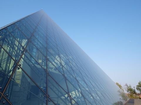 ガラスのピラミッド(2015.04.29)