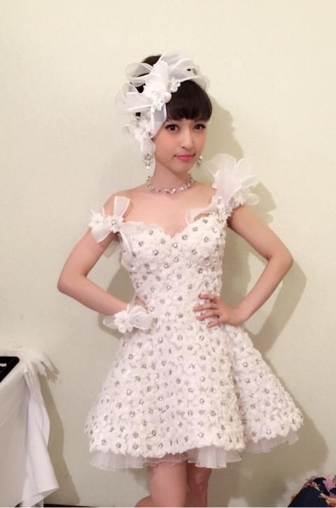 神田沙也加、ウエディングドレス姿を初披露 見せたいのは「父に」