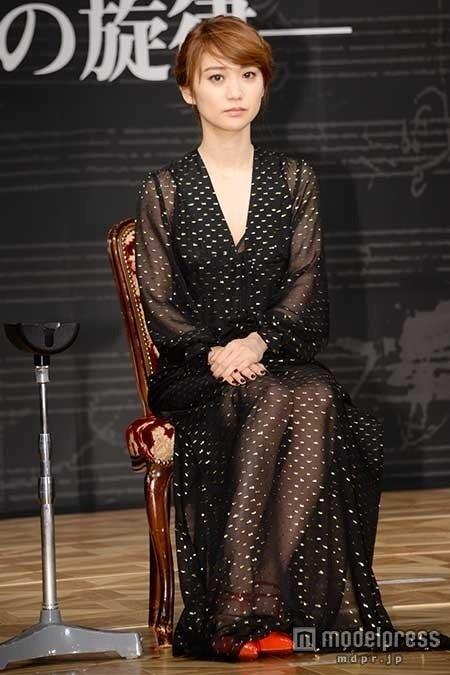 大島優子、スケスケ衣装で「緊張して溶けそう」