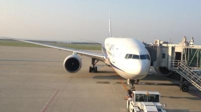 神戸空港 ボーイング777です