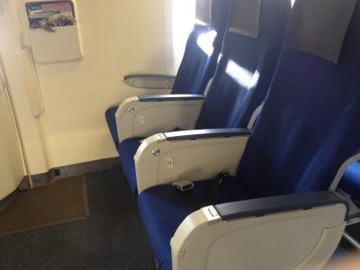 ANA412便羽田空港行き 非常口座席
